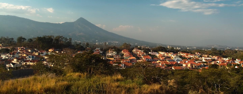 Sewa Mobil di El Salvador