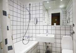 First Hotel Atlantic - Aarhus - Kamar Mandi