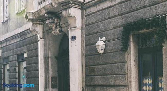 Torrebianca - Trieste - Building