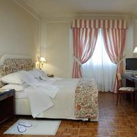 Hotel De La Ville Guest Room