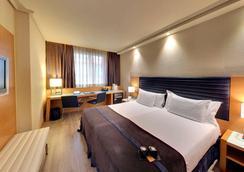 Hotel Silken Indautxu Bilbao - Bilbao - Kamar Tidur