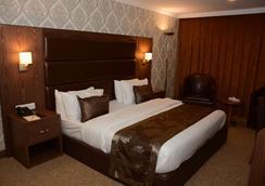 Ankawa Royal Hotel & Spa - Erbil - Kamar Tidur