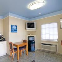 Americas Best Value Inn & Suites - Downtown Lobby