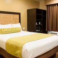 Best Western PLUS Glendale Guest Room