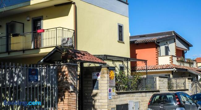 Sole - Rome - Building
