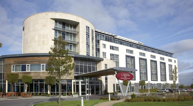 Carlton Hotel Blanchardstown - Dublin - Building