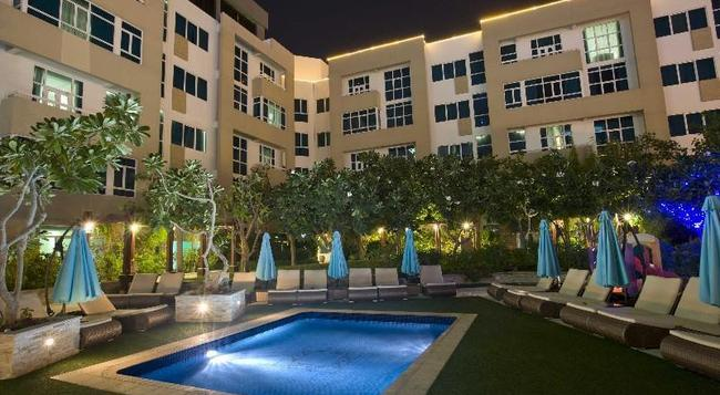 Elite Seef Residence & Hotel - Manama - Building