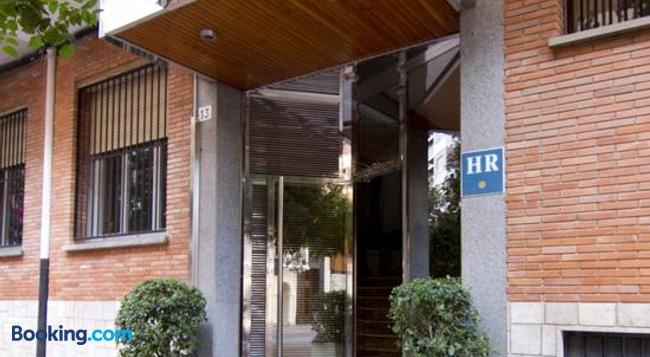 Hotel Residencia Isasa - Logroño - Building