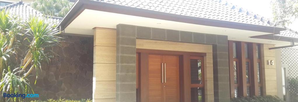 Dago Teuku Angkasa 14 - Bandung - Building