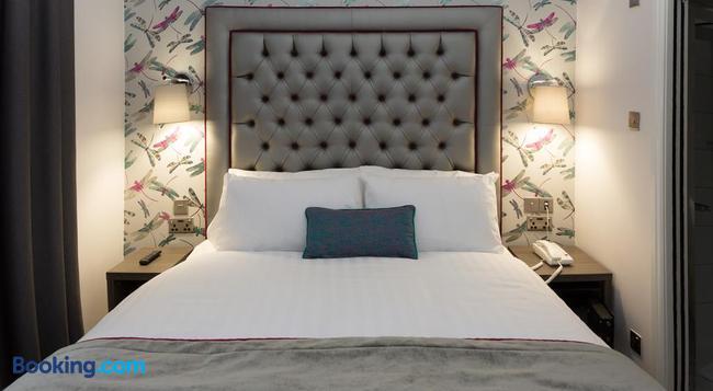 The Beverley Hotel London - Victoria - London - Bedroom