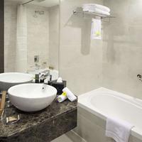 Landmark Grand Hotel Landamrk Grand Bathroom