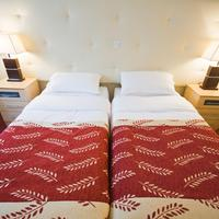 Best Western Plus White Horse Hotel Two Twin Bed Guest Room