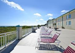 Best Western Plus Holiday Sands Inn & Suites - Norfolk - Kamar Tidur
