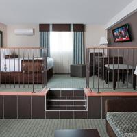 Coast Lethbridge Hotel & Conference Centre Premium King Suite