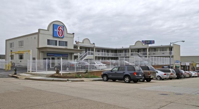 Motel 6 Washington DC - Convention Center - Washington - Building