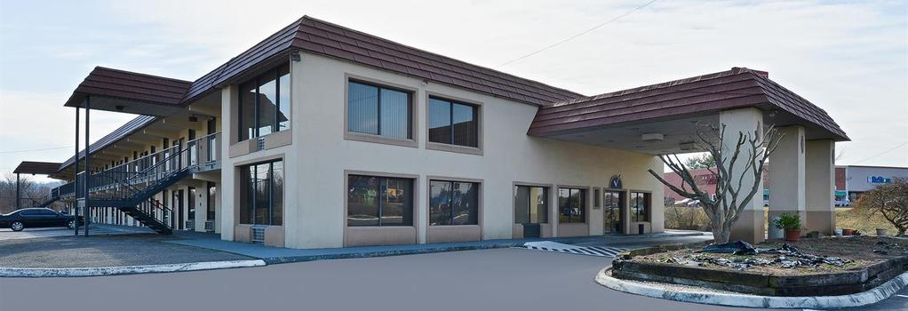 Americas Best Value Inn - Knoxville - Building