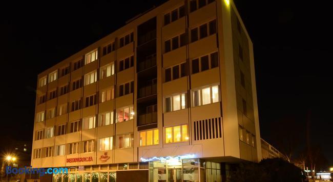 Hotel Pzmot - Lublin - Building