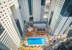 Ezdan Hotel - Doha - Kolam