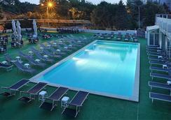 North Star Continental Resort - Timisoara - Kolam