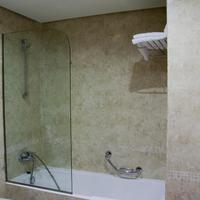 Silken Coliseum Bathroom