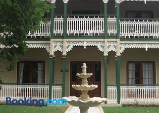 Grove Manor