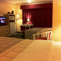 Americas Best Value Presidents Inn on Munras Two Queen Beds