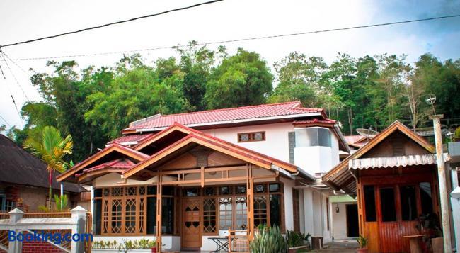 Bamboosa - Bukittinggi - Building