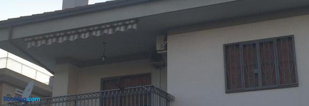 La Maison Blanche - Rome - Building