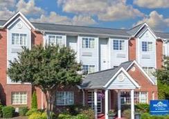 Microtel Inn & Suites Greenville by Wyndham - Greenville - Kamar Tidur