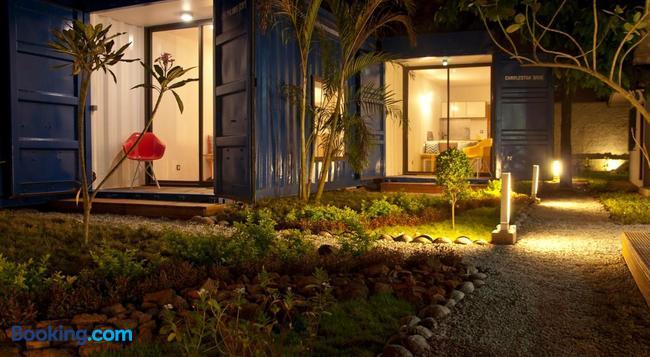 Quai 40 - Abidjan - Building