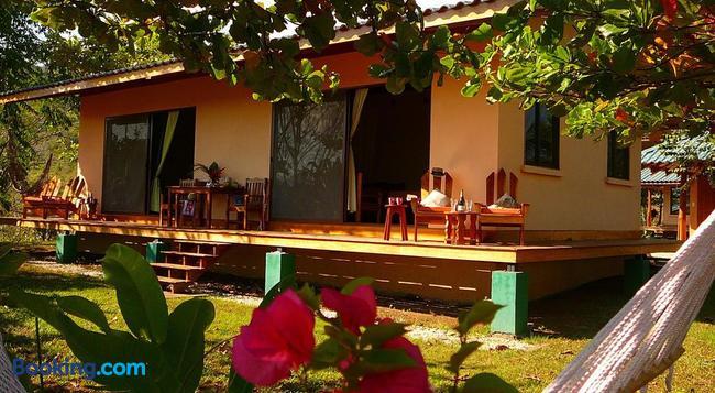 Fidelito Ranch & Lodge - Tambor - Building