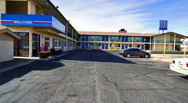 Motel 6 Amarillo - West - Amarillo - Building