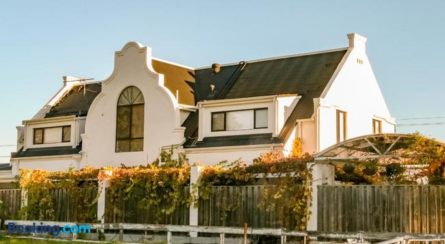 Aarn House B&B Airport Accommodation - Perth - Building
