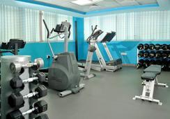 Tulip Inn Sharjah - Sharjah - Gym
