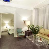 Hotel Opera Guest Room