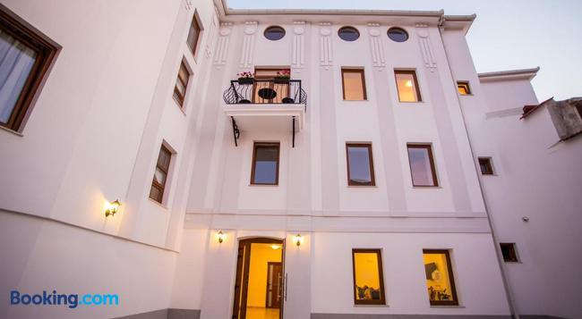 Hotel Hana - Mostar - Building