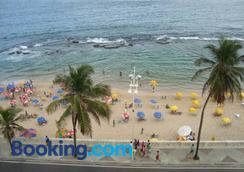 Flat na Praia do Farol da Barra - Salvador - Pantai
