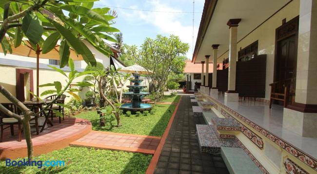 Frangipani Homestay - Nusa Dua - Building