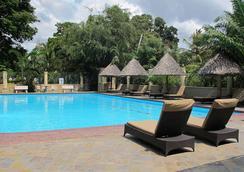 Colosseum Hotel & Fitness Club - Dar Es Salaam - Kolam