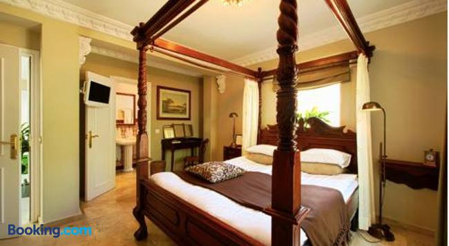 The Town House - Marbella - Bedroom