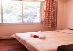 Benazeer Hotel - Mumbai - Kamar Tidur