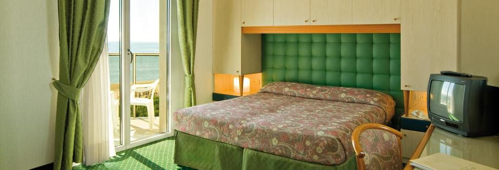 Hotel Cambridge - Jesolo - Bedroom