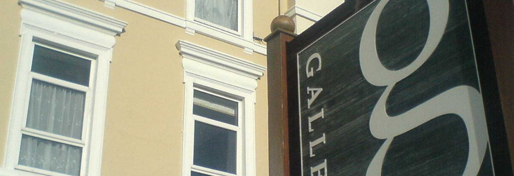 Gallery Guesthouse - Plymouth - Building