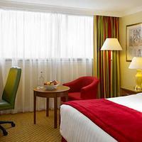Cardiff Marriott Hotel Guestroom