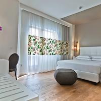 Hotel Caravel Guestroom