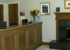 Colton Inn - Monterey - Lobi