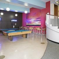 40 Berkeley Hostel Billiards
