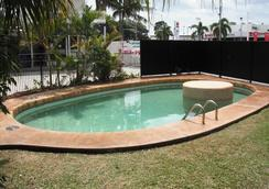 Cool Palms Motel - Mackay - Kolam