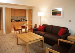 Clarion Hotel Dublin Liffey Valley - Dublin - Kamar Tidur