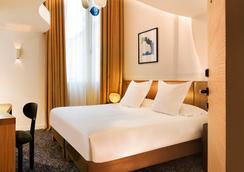 Hotel Marignan Champs-Elysées - Paris - Kamar Tidur